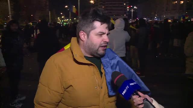 """Protestatar din București: """"Ne-am săturat de restricţii un an de zile. La ce folos?"""""""