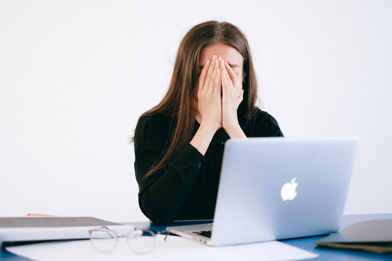 (P) 7 avantaje ale psihoterapiei online
