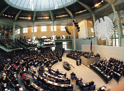 Campionatul Mondial de Fotbal 2014. Parlamentul german isi intrerupe lucrarile in timpul meciului Germania - SUA