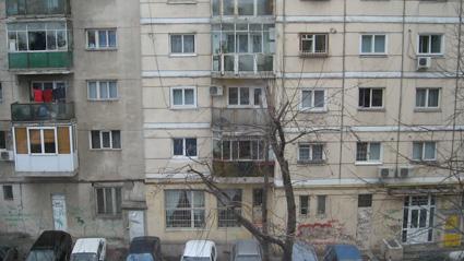 Blocuri in stadiu de schelet inca din 1989, vandute de primaria din Giurgiu