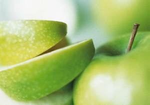 Fructe de padure, prune uscate si mere autohtone pentru o imunitate de fier