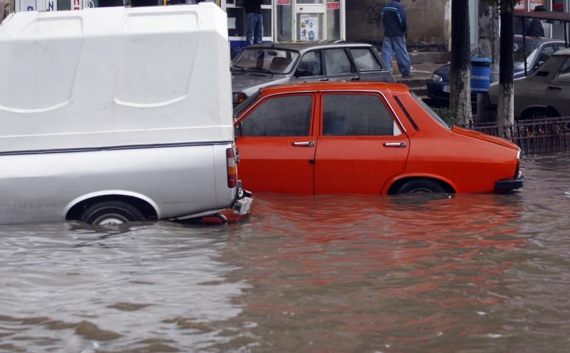 Inundatii in Hunedoara si Medias. Video de la utilizatori