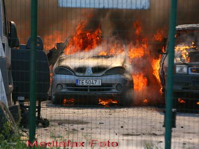 S-a dezlantuit infernul, la Buzau! Un service auto facut scrum pe DN2