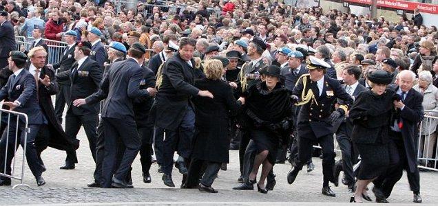 Regina Beatrix, urmarita de ghinion! Alarma falsa cu bomba, la Amsterdam