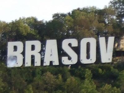 Piata Sfatului din Brasov a fost luminata de torte la sarbatoarea etniilor