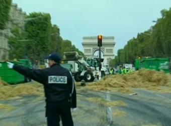 Franta, aproape paralizata joi de o greva uriasa