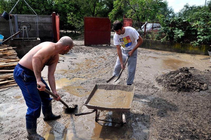 Codul rosu de inundatii pe raul Crasna, prelungit pana sambata