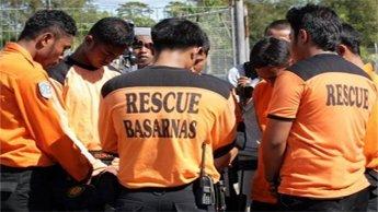 Avion prabusit in Indonezia, in mare. 27 de persoane au murit
