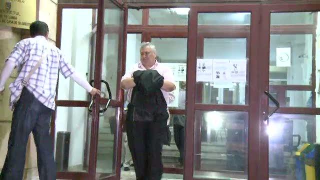 Judecatorul care a lovit un copil de 3 ani cu masina si a fugit va fi cercetat in libertate