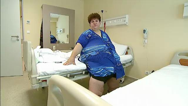 Exemplul Elenei: are 203kg si ia alte 30/an. 4 milioane de romani obezi si o singura taxa fast-food