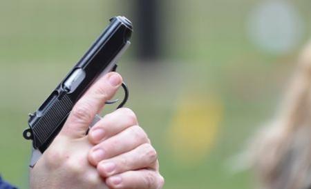 Sarb oprit doar cu focuri de arma de politistii de frontiera, dupa ce a intrat ilegal in tara