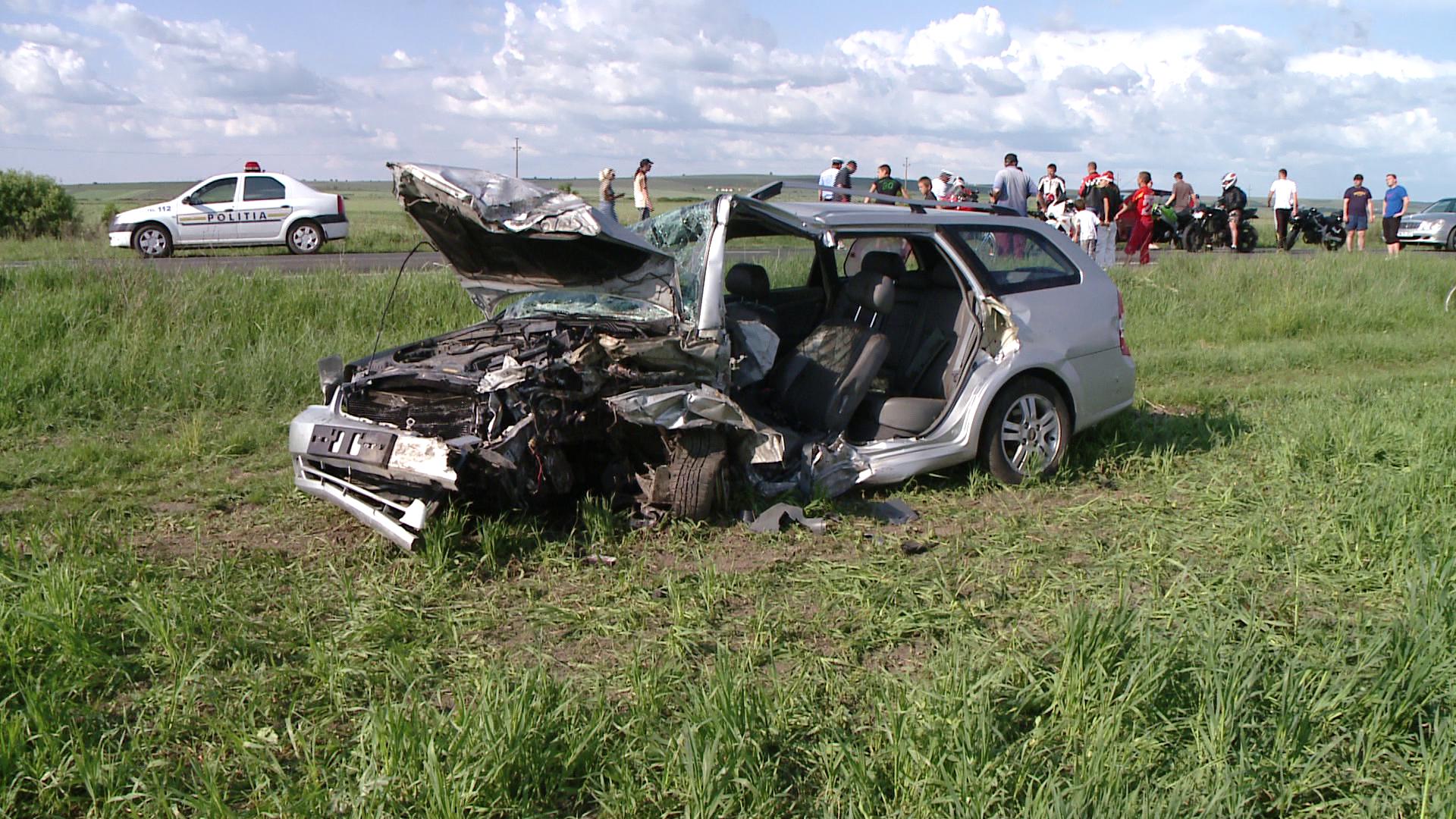 Accident mortal langa Recas. Un barbat si-a pierdut viata si alte trei persoane au fost ranite