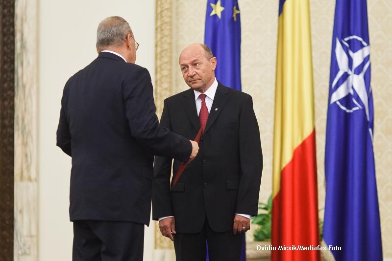 Ministrul de externe al Romaniei, Andrei Marga, vrea SUSPENDAREA presedintelui Traian Basescu