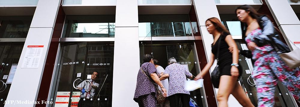Peste 1.400 de bancheri au plecat din sistem in trei luni. Ce salarii au cei ramasi in 41 de banci