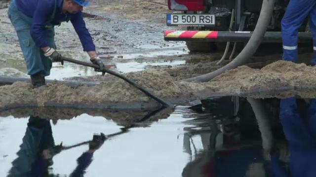 Pata de titei se intinde pe 15 kilometri. Garda de Mediu a amendat OMV-Petrom cu 100.000 de lei