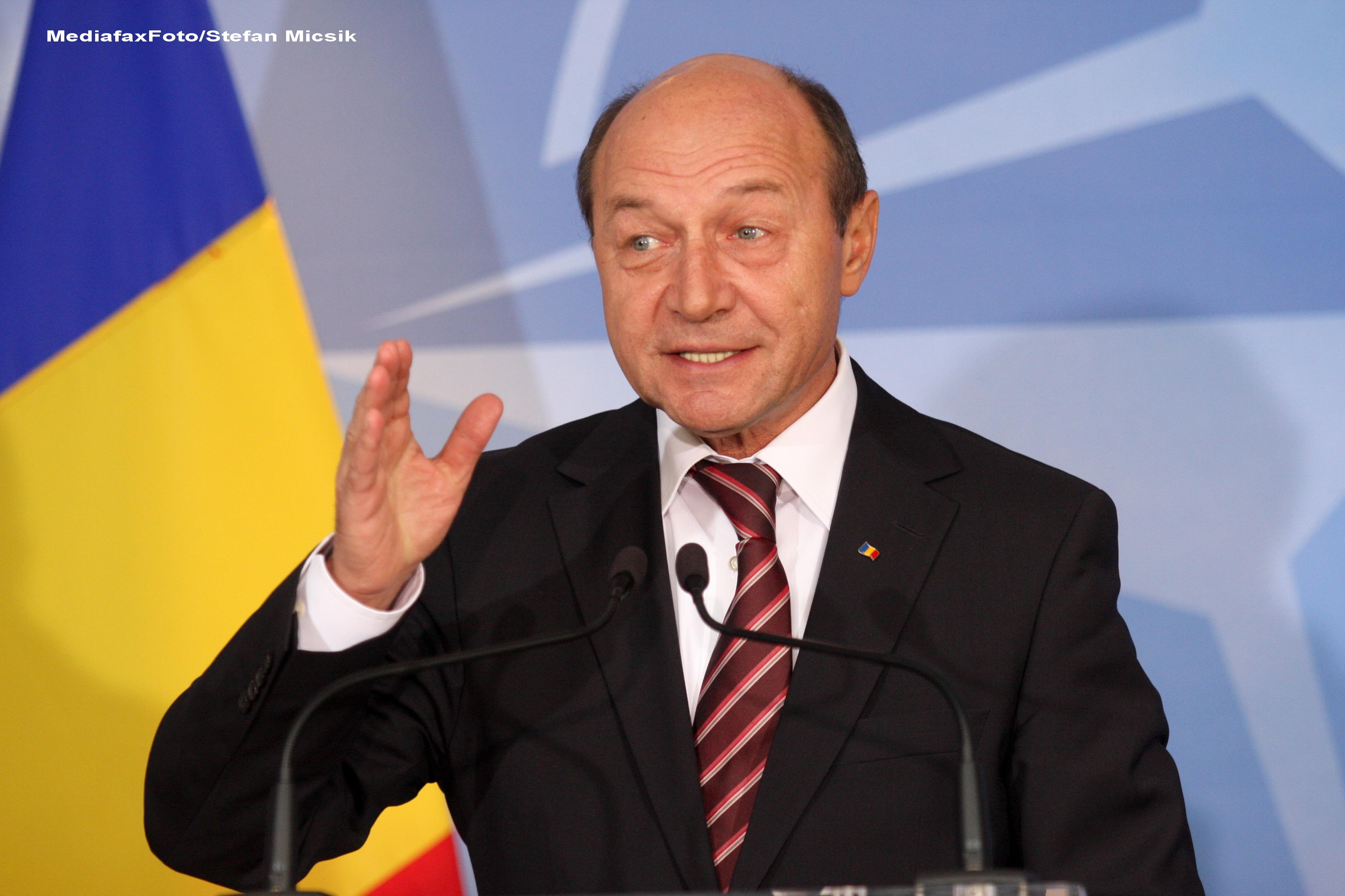 Basescu: Toti cei care au venit sa ceara votul sunt parte a unei inselatorii, mai ales cei la putere