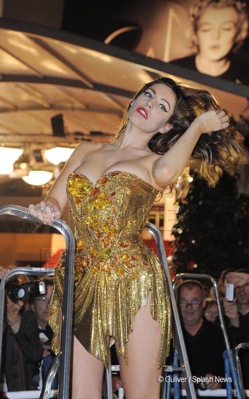 Aparitia care explica de ce a primit o propunere indecenta de un milion de dolari la Cannes. FOTO
