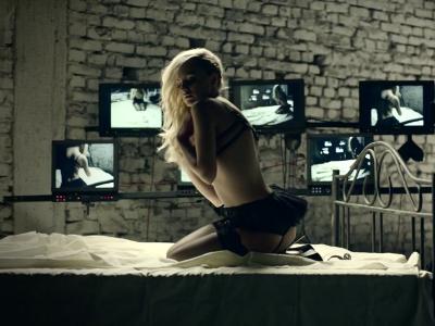 Alexandra Stan, foarte dezinhibata in noul ei videoclip. Uite cat de sexy si indrazneata este. VIDEO