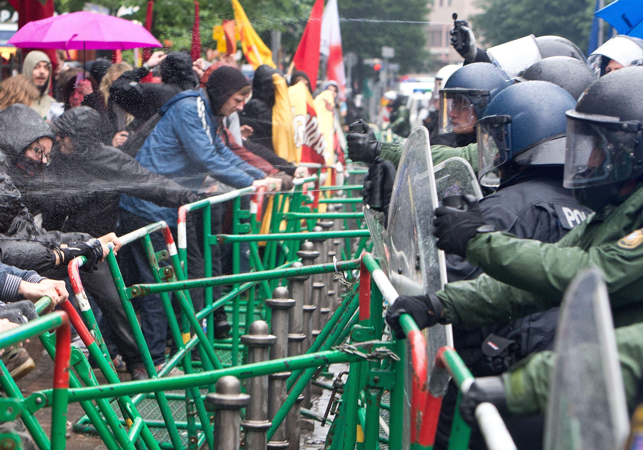 Protestele anti-austeritate de la Frankfurt s-au incheiat. Peste 1.000 de oameni au iesit in strada