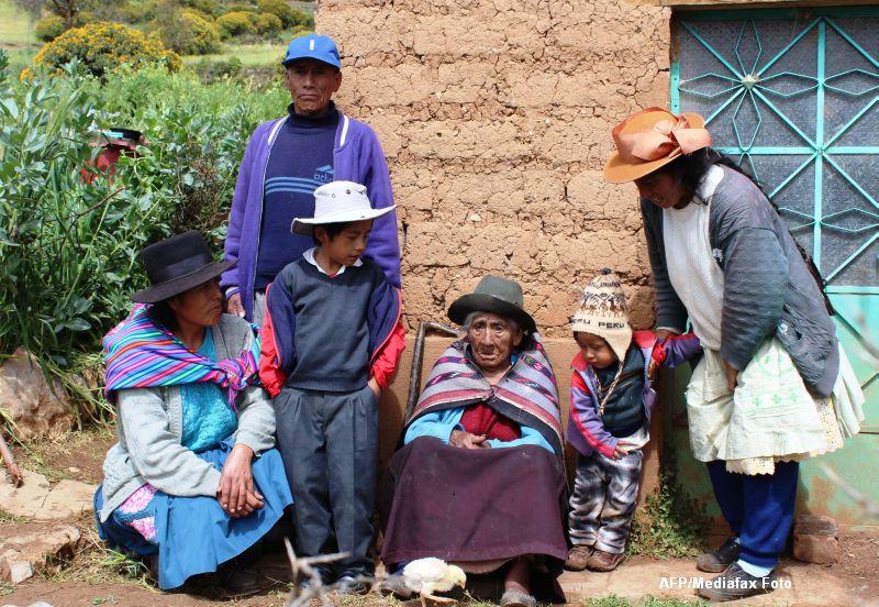 Cum arata cea mai batrana persoana din lume. Are 116 ani si traieste intr-un sat foarte sarac din Peru. Galerie Foto
