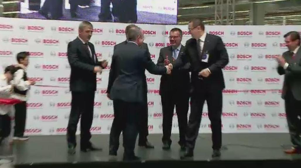 Adio, Nokia, bun venit Bosch! Victor Ponta si Emil Boc au taiat panglica noii fabrici germane de la Jucu