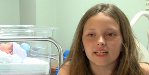 O fetita de 8 ani a ajutat-o pe mama ei sa nasca. Povestea care a transformat-o intr-o eroina peste noapte