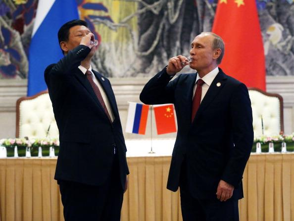 Harta celui mai mare contract Gazprom. Planul prin care rusii trimit gaze in China a fost sarbatorit de Putin cu votca