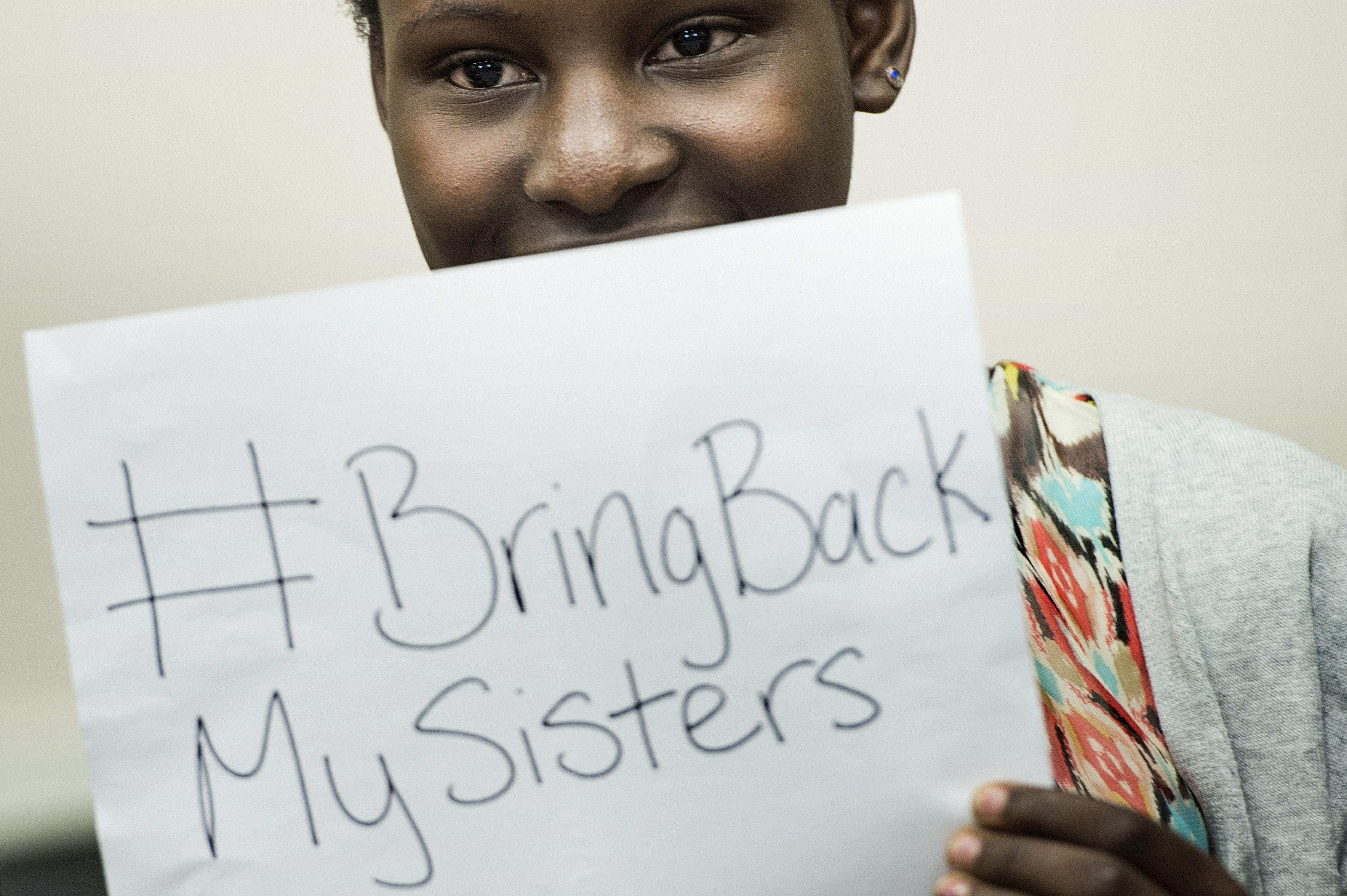 Statele Unite trimit trupe in Nigeria pentru cautarea celor 223 de adolescente rapite de secta islamista Boko Haram