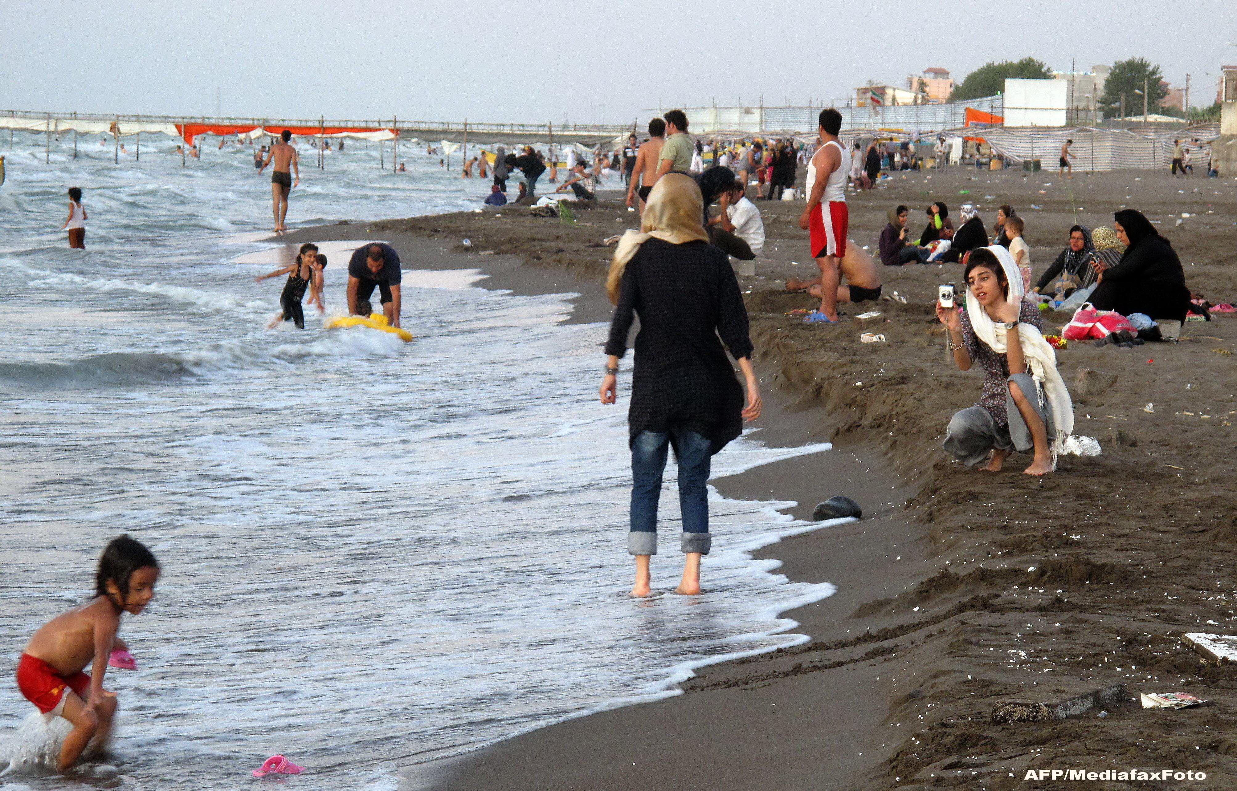 femeie datand de la plaja)