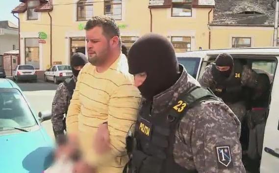 O retea de traficanti de droguri din Sibiu a fost anihilata de ofiterii DIICOT. Peste 100 de persoane vor fi audiate