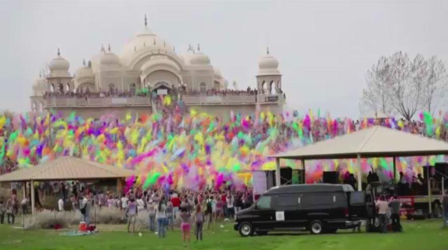 Sarbatoarea hindusa a culorilor a ajuns si in Romania. Bucurestenii vor petrece alaturi de DJ-ii Pro FM Greeg si Onuc