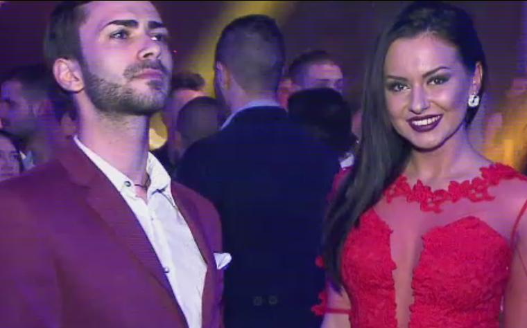 Cluburile din Mamaia, pline de turisti imbracati