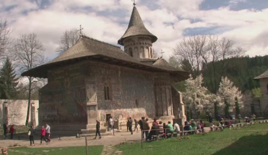 1 Mai in Bucovina. Pensiunile de langa manastiri se bucura de oaspeti veniti din toata tara: