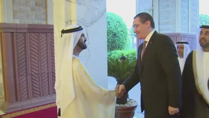 Victor Ponta si-a incheiat in Emirate turneul din Orient. Cu ce se alege Romania in afara de zambete si strangeri de mana