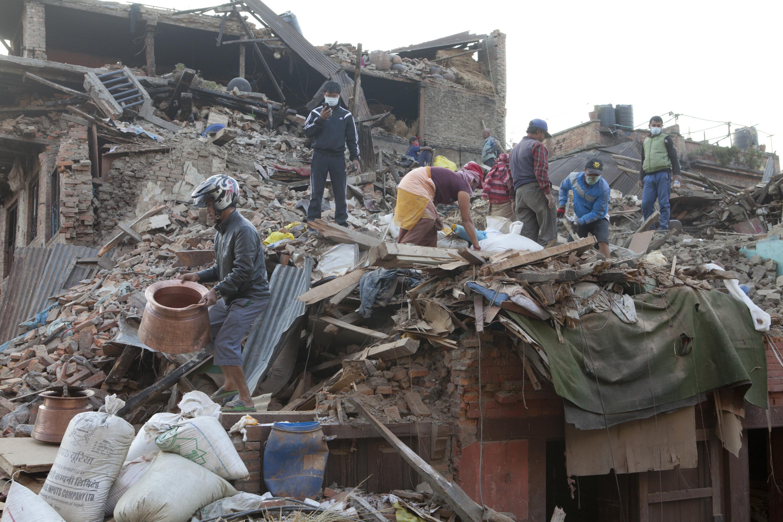 Expert grec: Cutremurul din Nepal a avut de 700 de ori puterea bombei de la Hiroshima. Tara va fi lovita de un alt seism mare