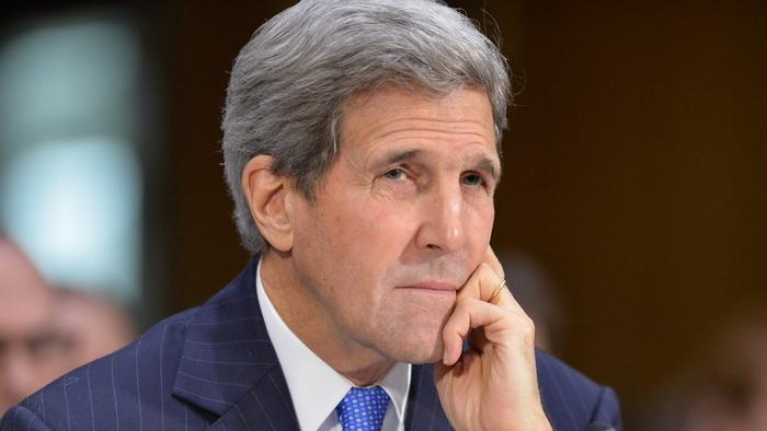 John Kerry, spitalizat la Geneva, dupa un accident cu bicicleta. A suferit o fractura de femur