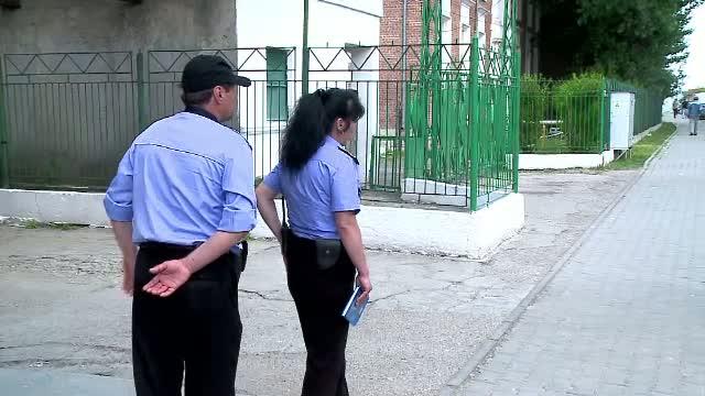 Alerta la Iasi. O femeie a abandonat in gara un geamantan voluminos, cu doua fire albe, apoi a fugit