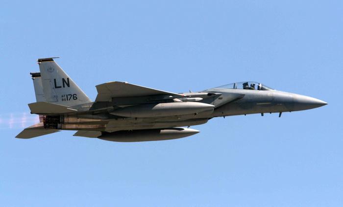 Marea Britanie a trimis avioane de lupta Typhoon pentru a intercepta doua bombardiere rusesti