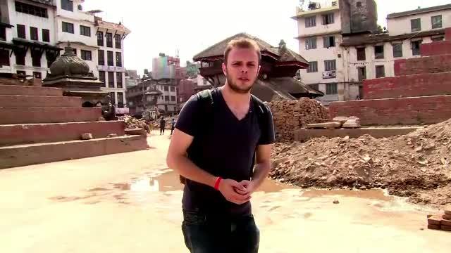 Reportaj ProTV la Templul din Kathmandu. Singura salvare cand totul e una cu pamantul: