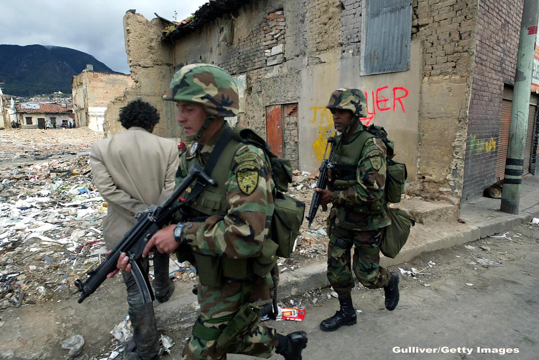 Armata Columbiei a declansat unul dintre cele mai mortale atacuri asupra traficantilor de droguri din FARC. 18 rebeli, ucisi