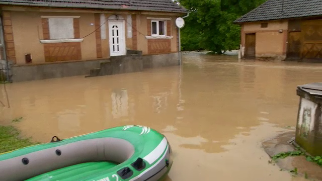 COD PORTOCALIU de inundatii pe rauri din centrul tarii. Judetele care sunt vizate de avertizare