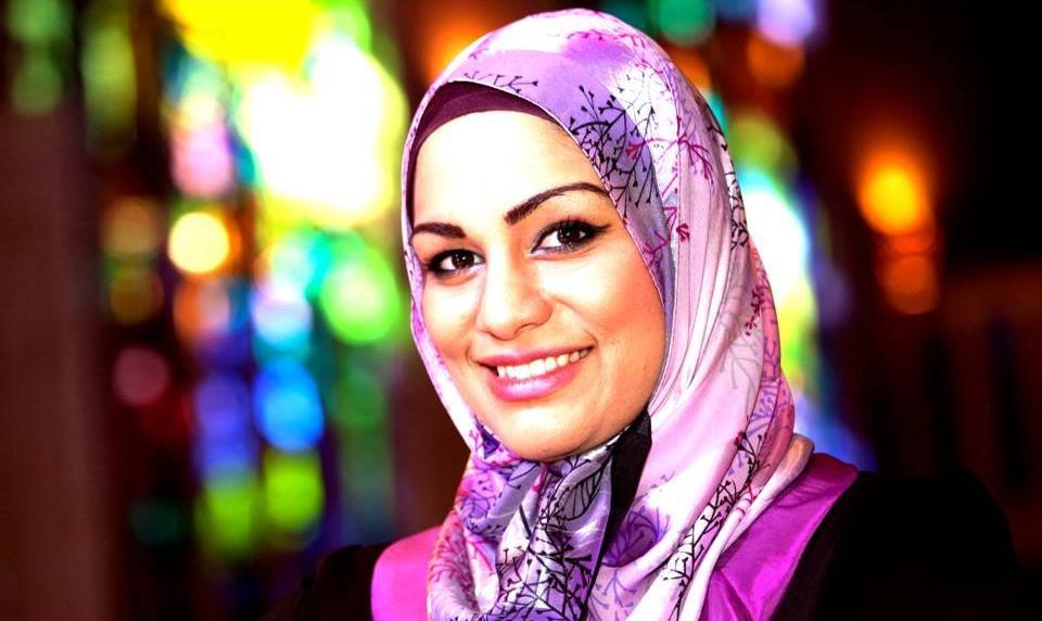 Scandal intr-un avion United Airlines. Motivul uluitor pentru care o femeie musulmana nu a primit o doza de suc nedesfacuta