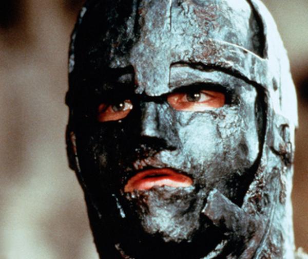 Dupa 350 de ani, unul dintre cele mai fascinante mistere a fost elucidat: cine a fost, de fapt, omul cu masca de fier