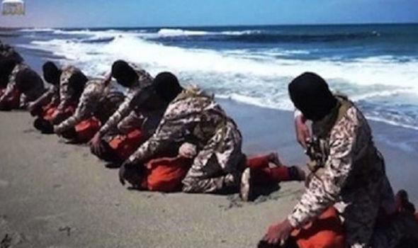 Jihadistii au executat 16 crestini in Libia pentru ca au refuzat sa se converteasca la islam