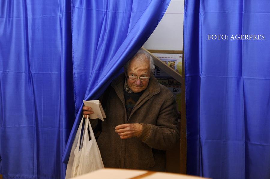 Extremele Romaniei. INS: In Bucuresti sunt 5 pensionari la 10 salariati, in Teleorman sunt 17 pensionari la 10 salariati