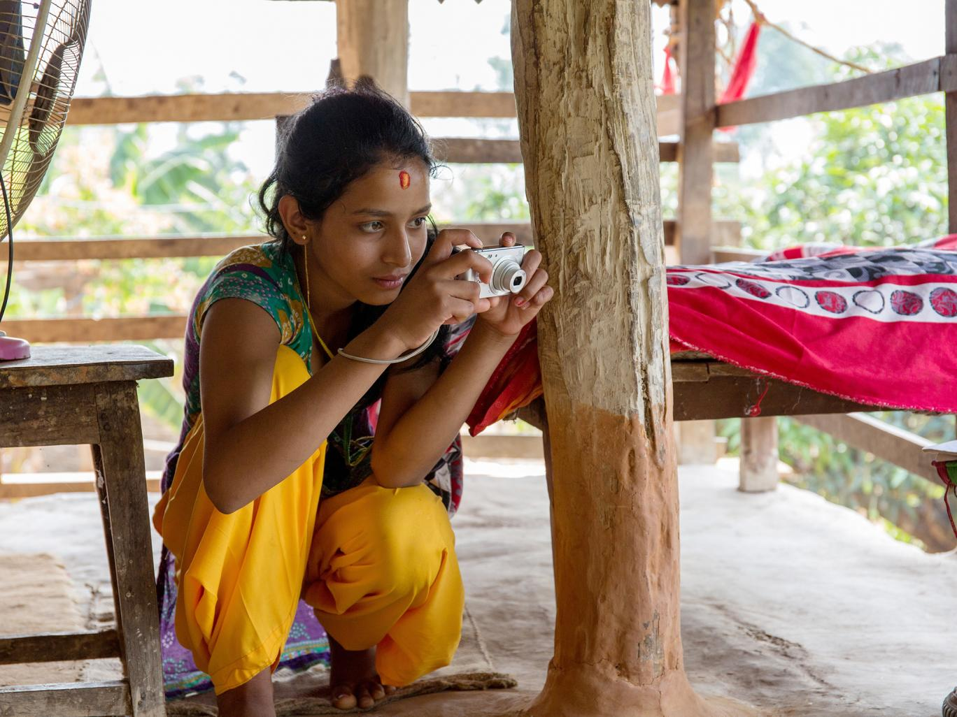 Experimentul tinerelor din Nepal, revoltate de cum sunt tratate atunci cand sunt la menstruatie. Ce NU au voie sa faca