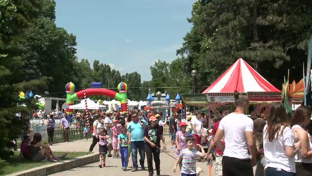 Harap Alb si-a mutat regatul in centrul Bucurestiului. Cum s-au distrat micutii la Festivalul Copiilor din Herastrau