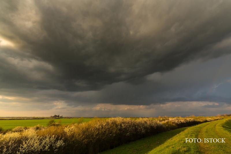Instabilitatea atmosferica si ploile ne strica ziua, dar inceputul de saptamana vine cu o incalzire a vremii si cu soare