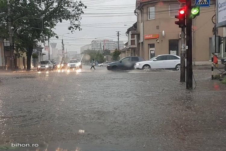 Sudul si centrul tarii intra sub avertizare cod galben de inundatii. Vestile proaste transmise de hidrologi