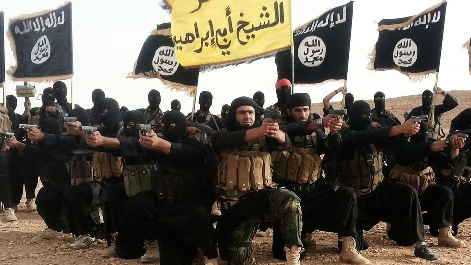 Un hacker a spart conturi de Twitter ale ISIS. Ce mesaje si poze a postat: